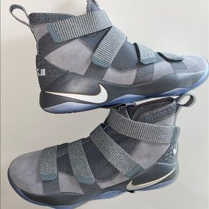 Nw Nike Lebron Soldier Xl size 12